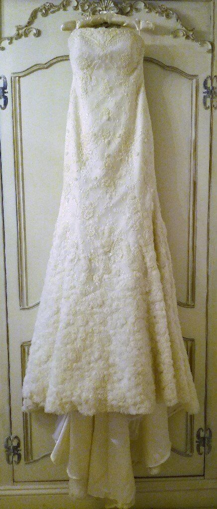 a1d1b04ba67 DESIGNER WEDDING DRESS FLEUR DESIGN Silhouette Rose Ivory Cream Lace Pearls  Diamante Bead Embroidery