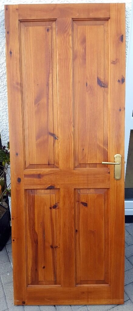 2 x Internal Wooden Doors - Antique Pine Stain - Handles & Latches included - 2 X Internal Wooden Doors - Antique Pine Stain - Handles & Latches