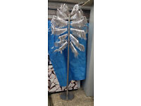 tree metal display branch retail fashion