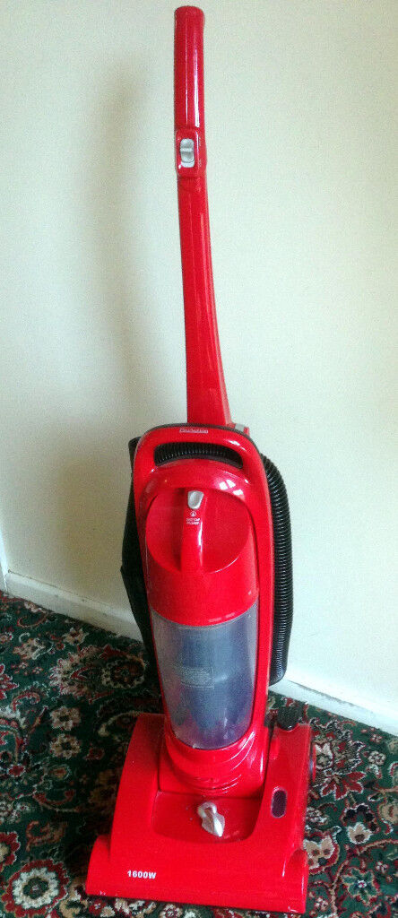 ProAction Bagless Upright Vacumn 1600W