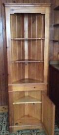Corner pine dresser