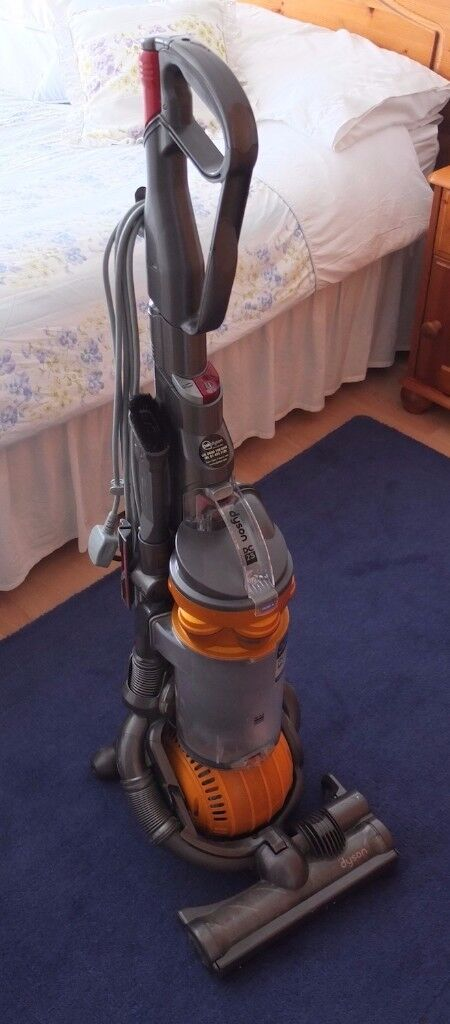 DYSON DC25 Multi Floor Upright Ball Vacuum Cleaner   Good, Clean, Condition