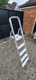 Step ladder - great condition - 25