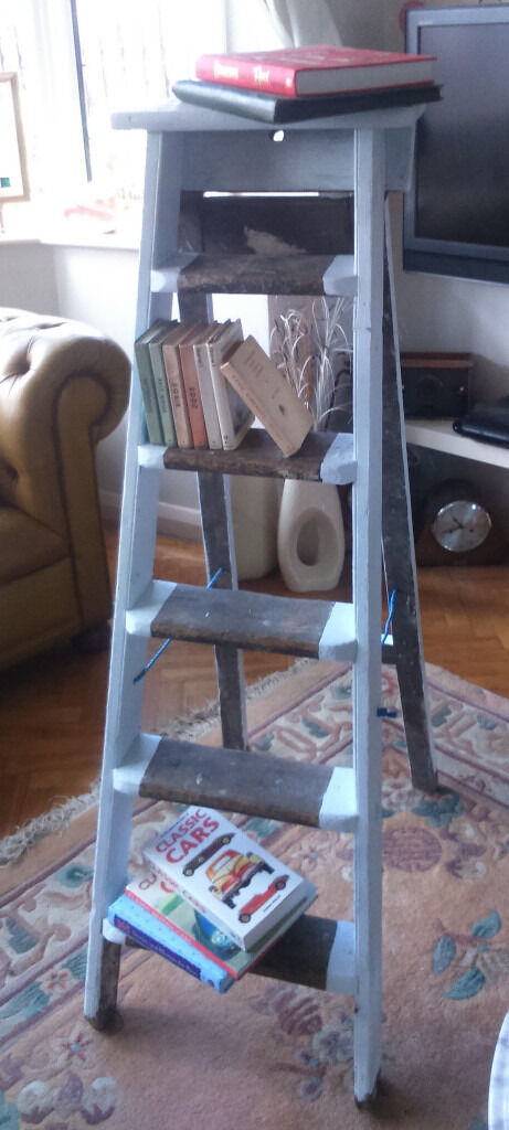Vintage Edwardian solid wooden ladder - boocase/shelf/display - shabby chic