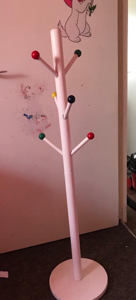 Kids coat hanger stand