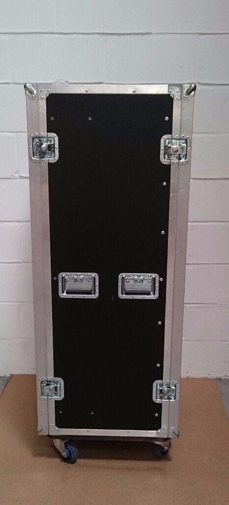 Rolling flight case server rack *19inch unit width, 29U capacity*