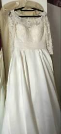 Stunning Wedding dress size 10-12 for sale