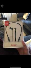 Beats wireless in ear headphones