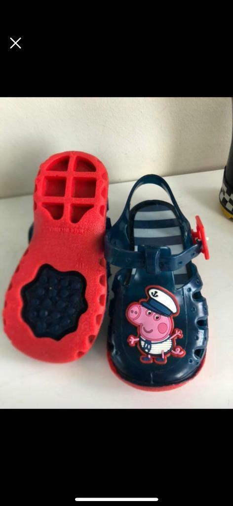1712cea25f12 Peppa Pig NEW jelly shoes size 5