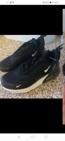 Boys Nike 270 trainers