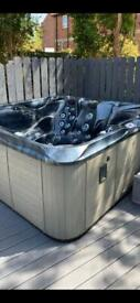 6 person 1 lounger Hot Tub