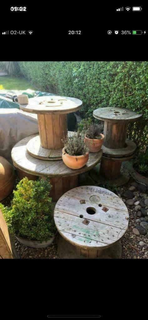 Cable reel garden table with four chairs   in Hull, East ...