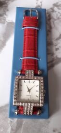 Avon Ladies Watch BRAND NEW IN BOX Louisa Watch