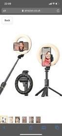 Selfie stick tripod light