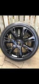 Range Rover Velar alloy wheel