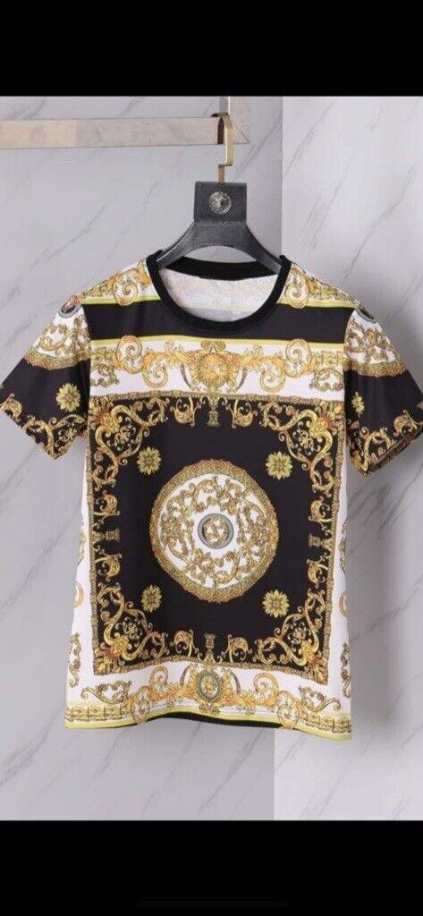 22db0f72 Men's Versace T-Shirt – Luxury Designer Brand - 100% Genuine ...