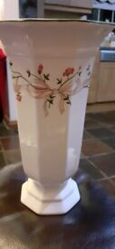 Large eternal buea vase excellent condition