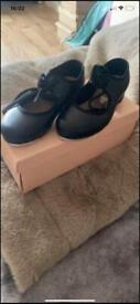 Bloch tap shoes girls size 8