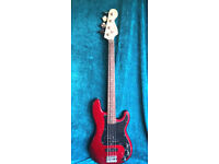Squier Affinity P Bass PJ Rosewood - Candy Apple Red