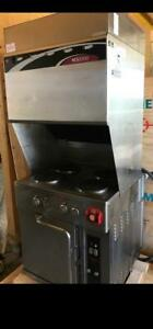 Wells ventless 4 burner stove with convection oven underneath