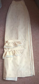 Pretty curtains, pale peach with flower pattern