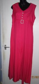 BEAUTIFUL CORAL LONG DRESS WITH SPLIT IN THE FRONT SIZE 12 WOULD BE GREAT FOR EVENING OR WEDDING
