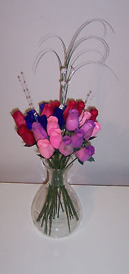 Red Hat & Pink Hat Ladies - Wooden Roses in Your Colors (Red Wooden Roses)