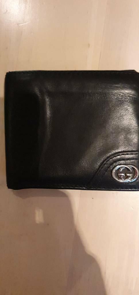 1d250653298 Classic black Gucci mens wallet
