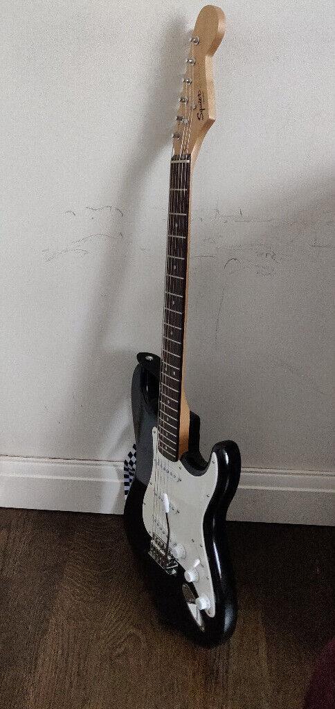 Fender Electric Guitar Gumtree : fender stratocaster squier electric guitar in pinner london gumtree ~ Russianpoet.info Haus und Dekorationen