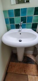 Chrome lever mixer tap including waste
