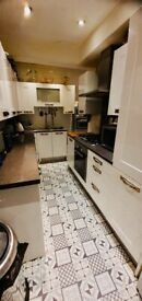 DOUBLE ROOM TO LET ON MONTEAGLE AVENUE BARKING