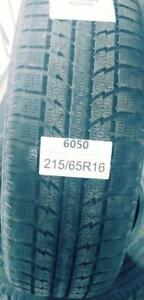 PNEUS HIVER USAGÉS / USED WINTER TIRES 215/65R16 21565R16 TOYO GSI-5 (2 DE DISPONIBLES)