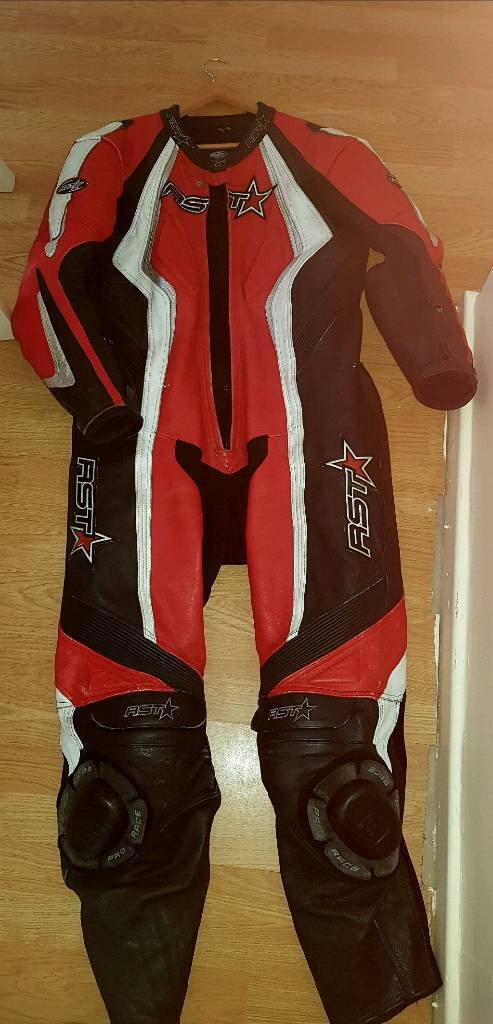 BIKE LEATHERS PLUS BOOTS GLOVES HELMETS