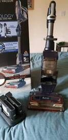 SHARK CORDLESS DUO CLEAN TRUE PET VACUUM. WITH BOX.