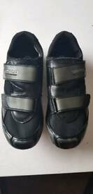 Shimano RD64 cycling shoes
