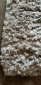 Beautiful fawn coulor rug