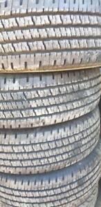 245-75-16 LT . 4 pneu été hankook
