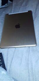 5th of generation iPad 32gb Wi-Fi + celluar
