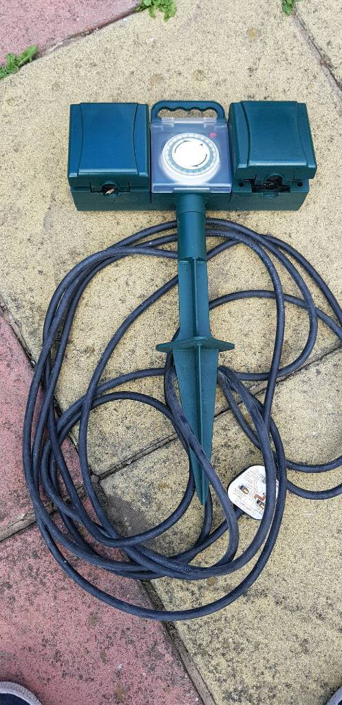 Garden electric extension plugs with timer