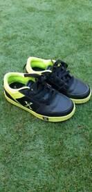 Roller shoes / heelys size 2