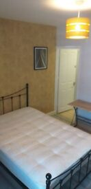 1 Ensuite Double Room close to Town in Luton
