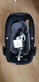 Maxi cosi pebble plus car seat in black(hardly used)