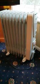 DeLonghi Hork electric oil heater with timer