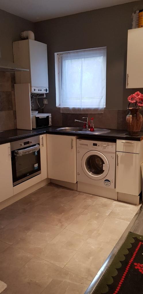 A beautiful one bedroom Ground floor flat with private Garden to rent in Leytonstone no bills inc