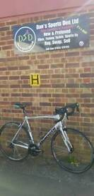 FANTASTIC BIANCHI IMPULSO 105 ROAD BIKE SHIMANO 105 CARBON FORKS IMMACULATE