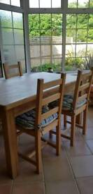 Solid oak 4 seater table