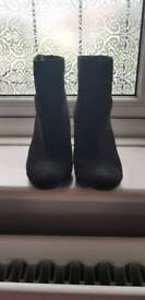 NEW LOOK suede boots size 4
