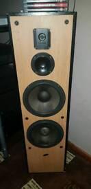 2x Eltax Titanium 400watt speakers