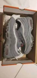 NIKE AIR MAX 95 COOL GREY/TEAM RED SIZE 10