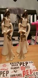 4 figurine ornaments